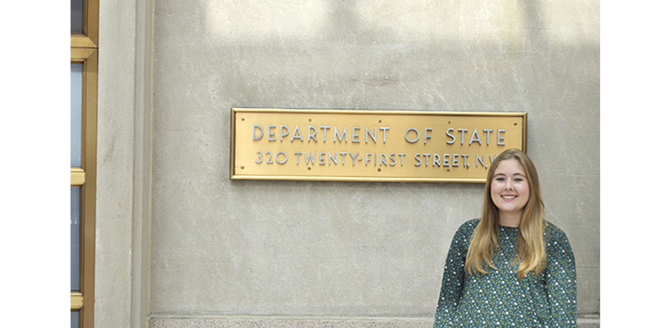 Kelly in front of Department of State